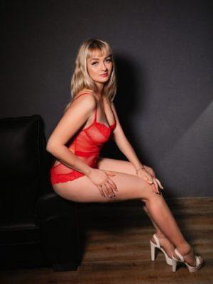 Escort Haifa - Kris- Sexy 24 year old blonde waiting in Haifa