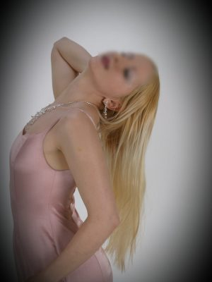 Discreet Apartments Petah Tikva - 37 Year old woman in Tel Aviv