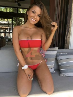 Escort Eilat - Fun night with a sexy girl